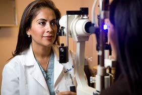Dr. Swati Singh with LASIK Technology and Patient